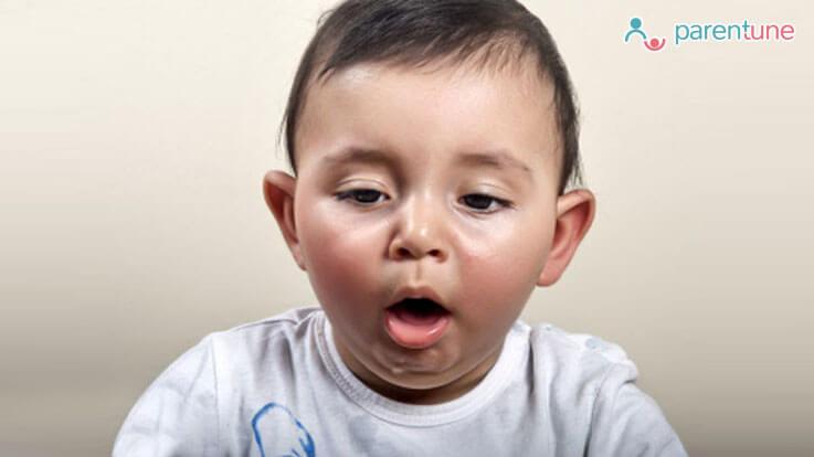 बच्चे को क्यों होती है बार बार उल्टी Vomiting कारण लक्षण उपचार