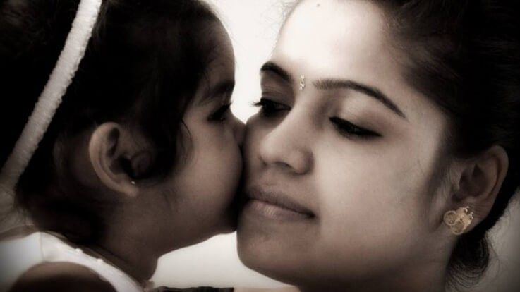 Shades of an imperfect motherhood