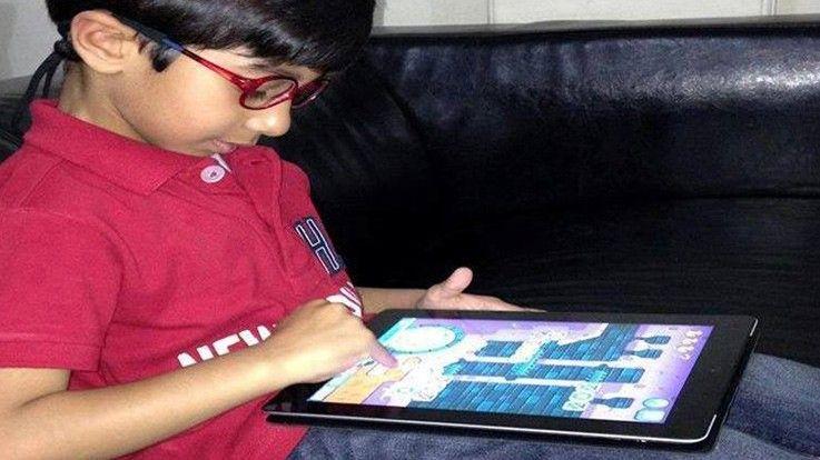 इन पांच तरीको से आप कर सकतें है बच्चों को ज़्यादा मोबाइल देखने की आदत से दूर