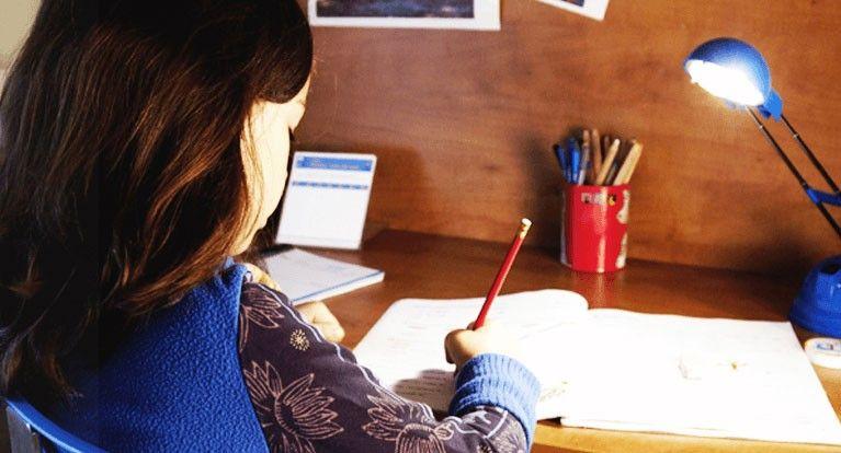 बच्चे की पढ़ने लिखने की आदत को सुधारने के असरदार तरीके