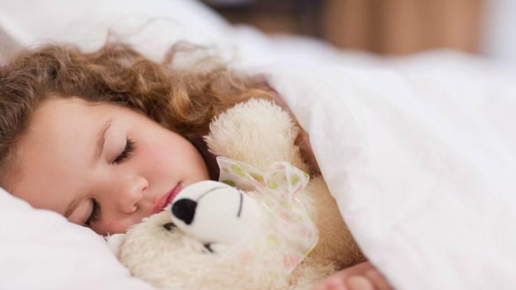 सोने से पहले नहाने से होने वाले कुछ फ़ायदे।