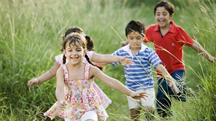 How to raise a happy and giving child