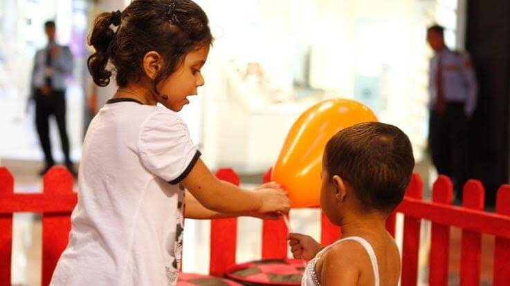 कामकाजी माँ बाप के लिए शिशुओं की अच्छी परवरिश के उपाय