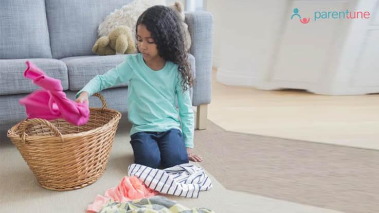 बच्चों से घर के छोटे मोटे काम करवाना बनाएगा उन्हें आत्मनिर्भर