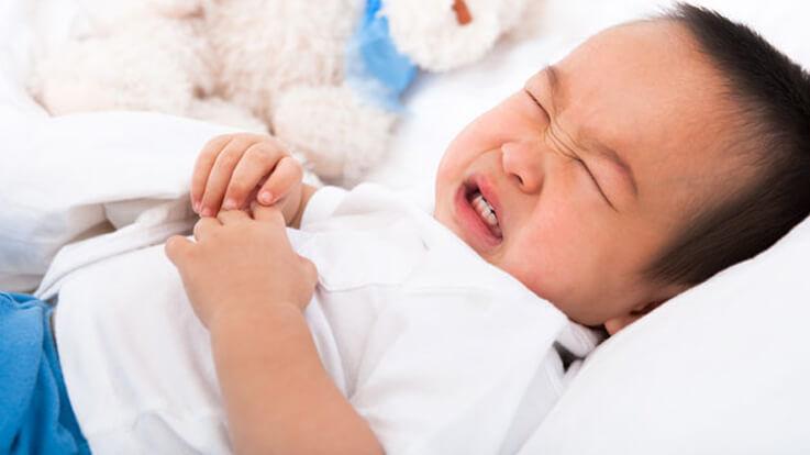 बच्चे के दस्त को ठीक करने वाले 8 प्रभावी घरेलु उपचार