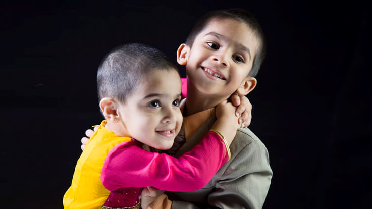 भाई बहन के बीच दोस्ती बनाये रखनी हो तो उन्हें सिखाएं ये बातें