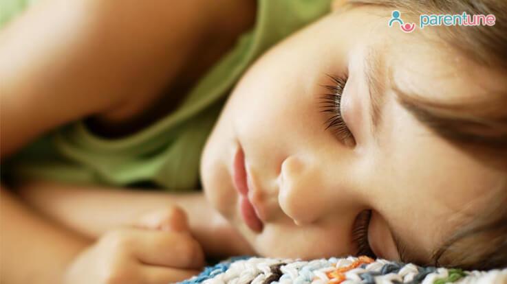 बड़ों से ज़्यादा बच्चों को चाहिए होती है नींद इन मिथकों को जान कर समझें उसकी नींद को