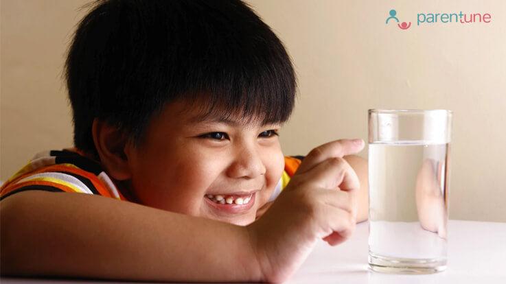 जानियें क्या फ्रिज का ठंडा पानी बच्चो को देना चाहिए
