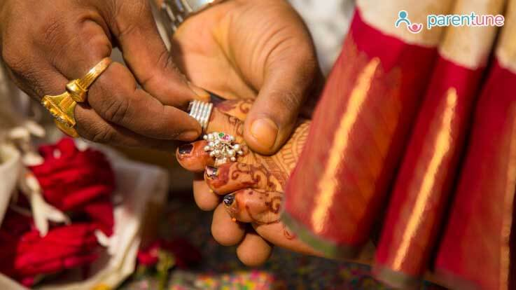 क्यों होता है बिछिया पहनना नव विवाहिता के लिए जरूरी