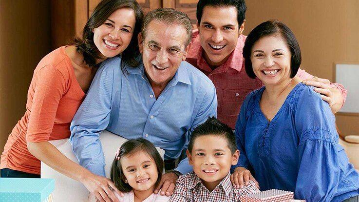 आखिर क्यों ज़रूरी होते हैं घर के बड़े बुज़ुर्ग बच्चों की परवरिश के लिए