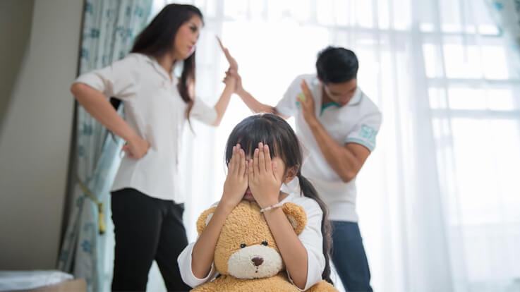 तनाव बन सकता है अच्छे माता पिता बनने की राह में बाधा इन 10 टिप्स से पाएं तानव से मुक्ति