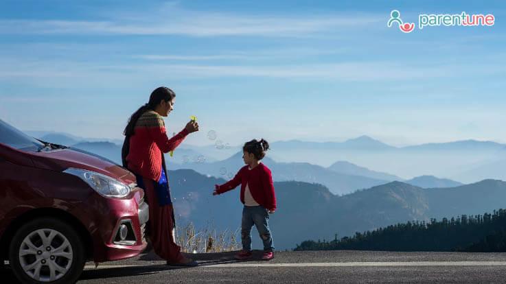 बच्चे के साथ ट्रेवल करते समय किन बातों पर ध्यान देना जरूरी है