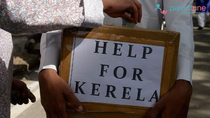 केरल के बाढ़ पीड़ितों की मदद करके ओणम मना रहे हैं लोग