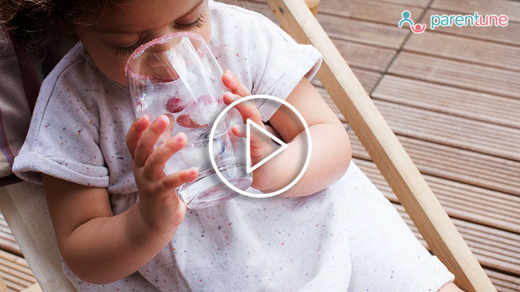 छोटे बच्चों को इन 9 उपायों से सिखाएं पानी पीने की आदत